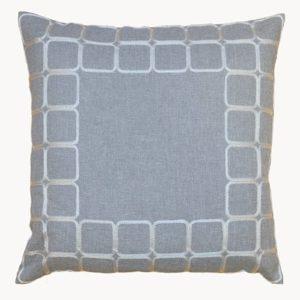Kussenhoes - Licht grijs met vierkante vakken in de rand - 40 x 40 cm